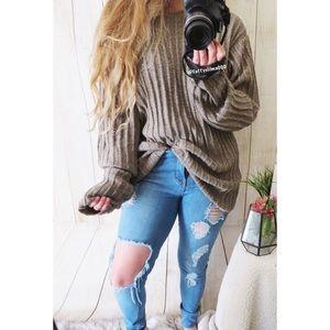 Vintage cozy vibes boyfriend sweater ☕️